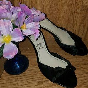 Size 9W black Predictions shoes